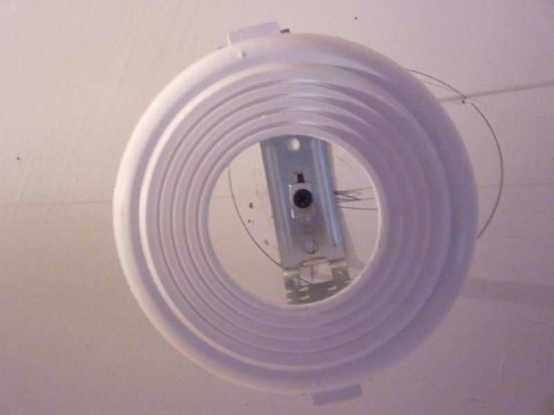 Монтаж осветительного оборудования потолка Фото №12